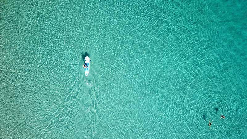 Turkizna barva morja Supanje